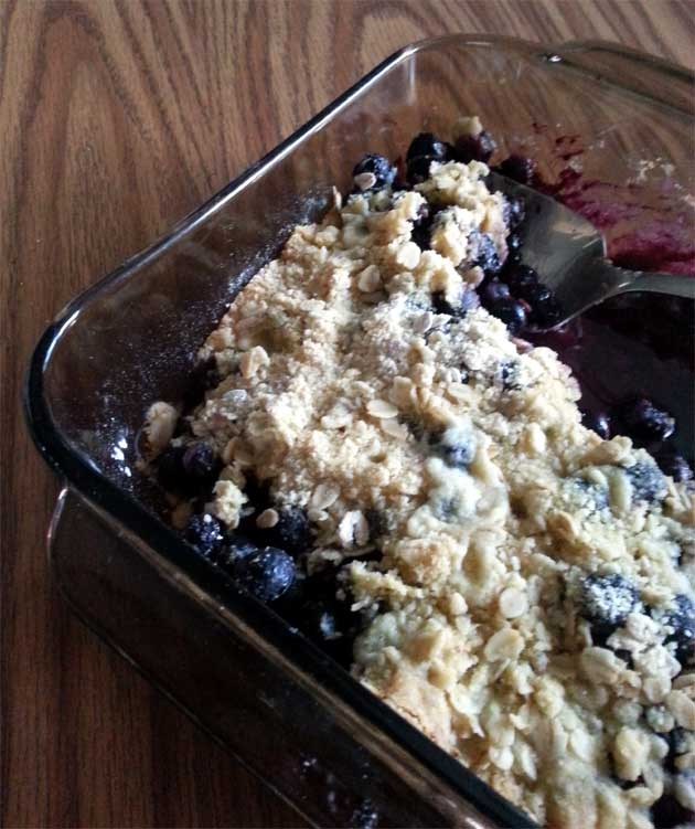 blueberry crisp healthy and delicious