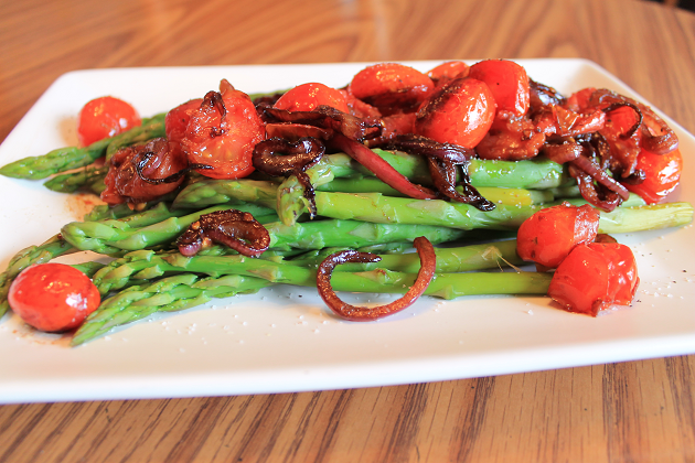 vegan sauteed asparagus with balsamic glaze