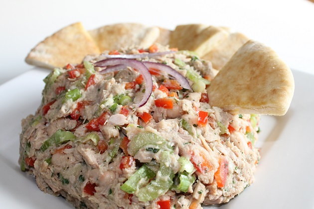 white bean tuna salad with dijon viniagrette