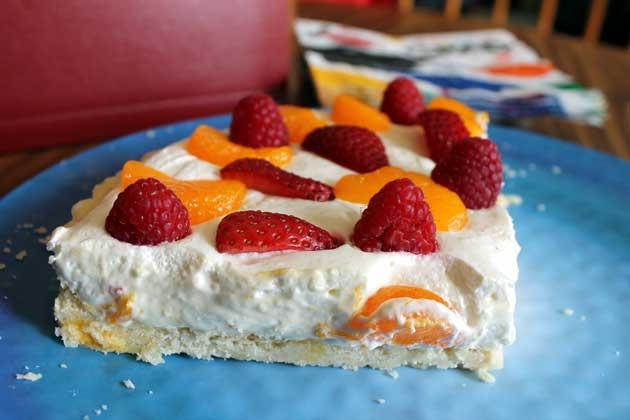 slice of cheesecake fruit tart